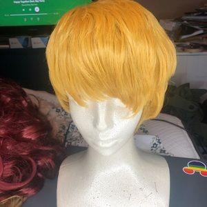 Accessories - Short blonde wig